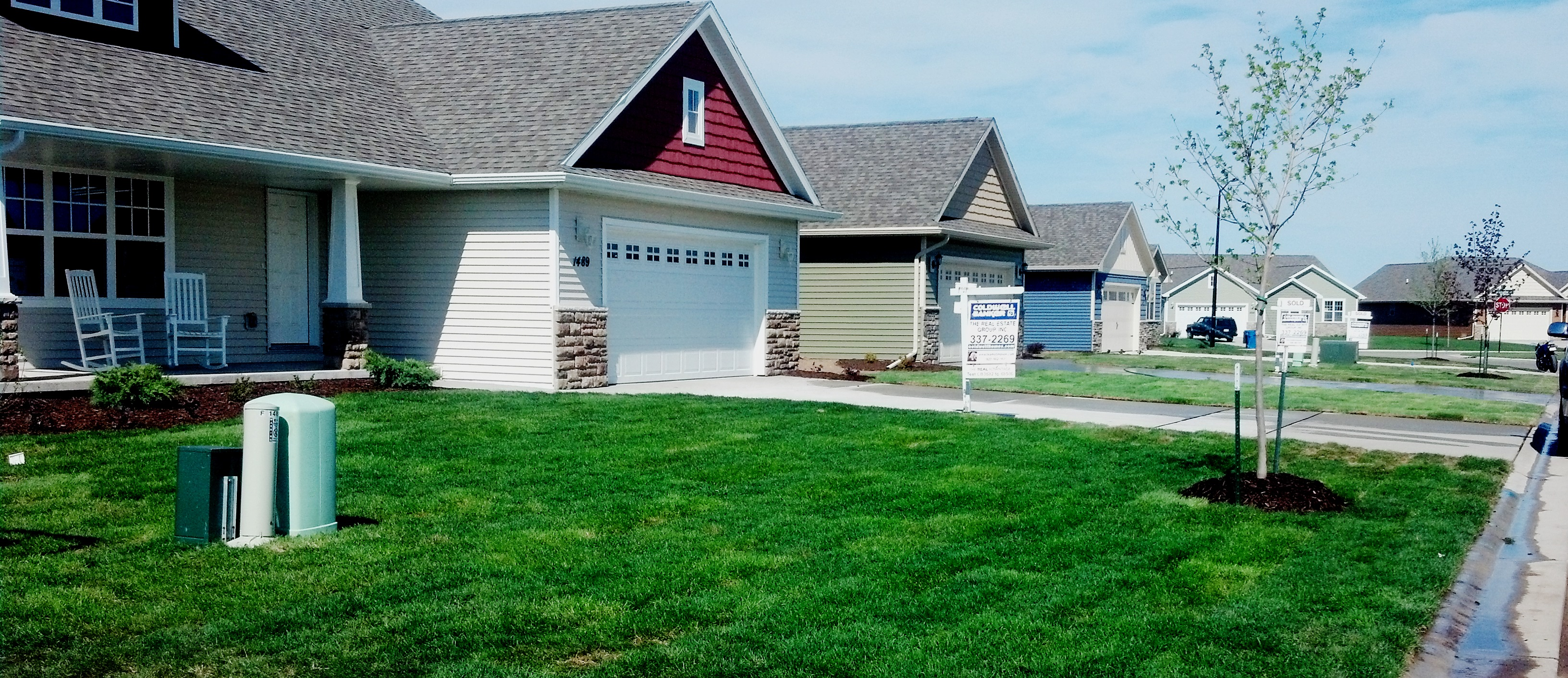 Landscaping New Homes At Tailwind Crossing In De Pere The